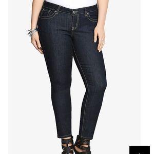 TORRID Plus Dark Rinse Short Skinny Denim Jeans